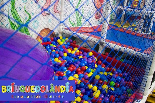 Brinquedolândia no Shopping Punta Blu.